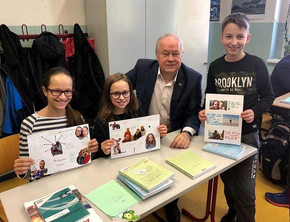 Калужская делегация побывала на уроке русского языка в немецкой школе.