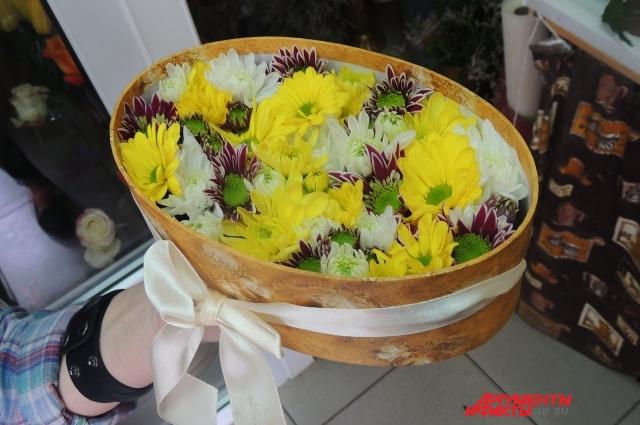 Цветы, спрятанные в коробочку