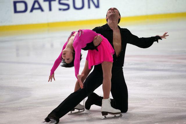 Юко Кавагути и Александр Смирнов победители соревнований в парном катании на Чемпионате Европы по фигурному катанию в Стокгольме
