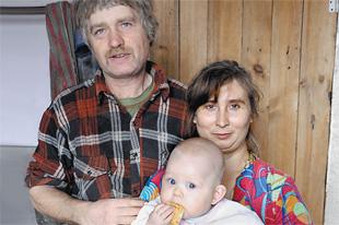 Майкл, Таня и Полина Майкловна. Старшие дети в школе