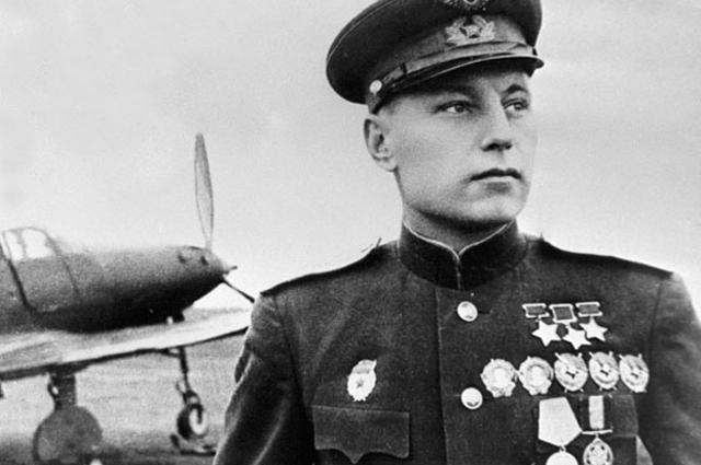 Александр Покрышкин, 1945 год.