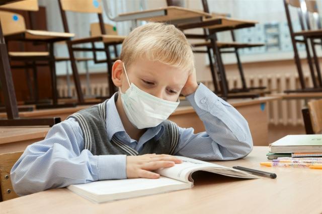 Ребёнок может кашлять ещё какое-то время после выхода с больничного - это нормально.