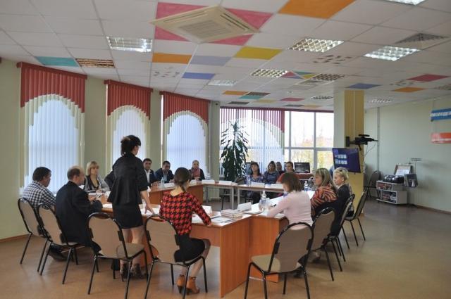 Собрание родителей Новомосковска в местной библиотеке получилось резонансным.