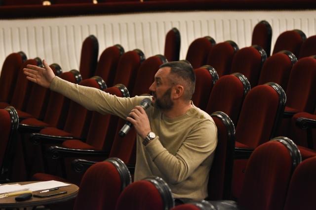 Денис Радченко уверен, выбор такого жанра, как мюзикл - это не просто веяние моды и желание привлечь зрителя в театр.
