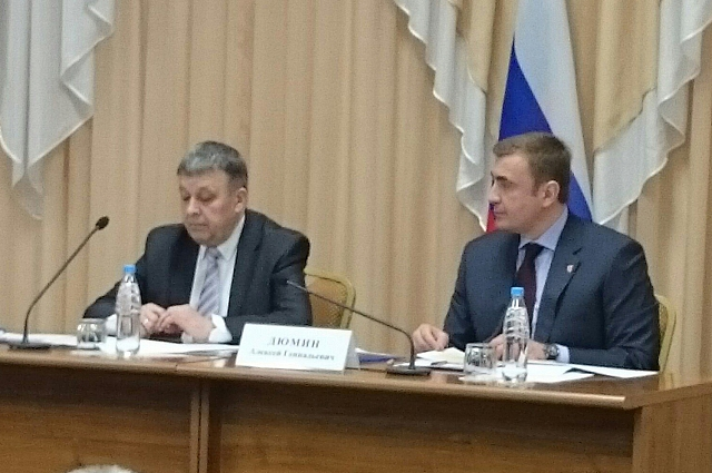 Фото с пресс-конференции.