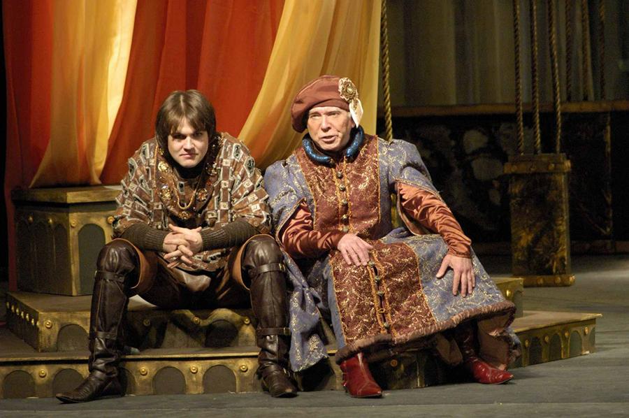 Александр делал историческую обувь и для местного театра.
