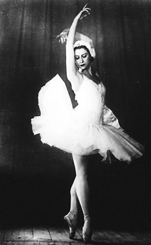 Лишенная врожденного женского кокетства, Уланова стала легендой мира балета.