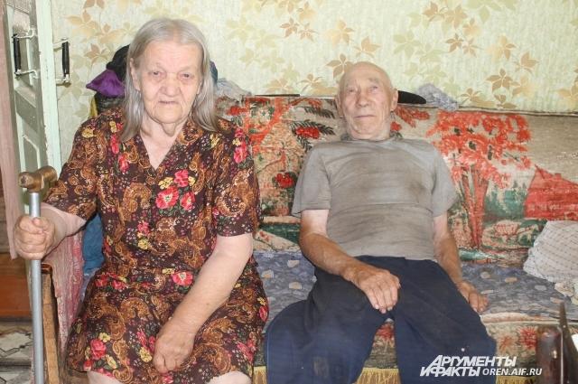 Анна Сергеевна и Федор Михайлович Захаровы.