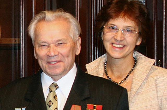 Михаил Калашников с дочерью Еленой.