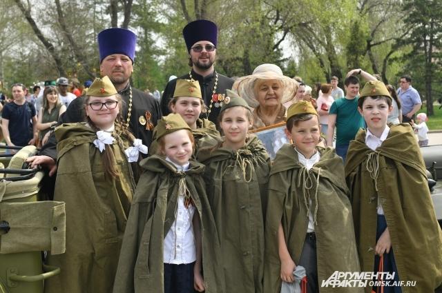 Среди омской молодёжи много патриотов.