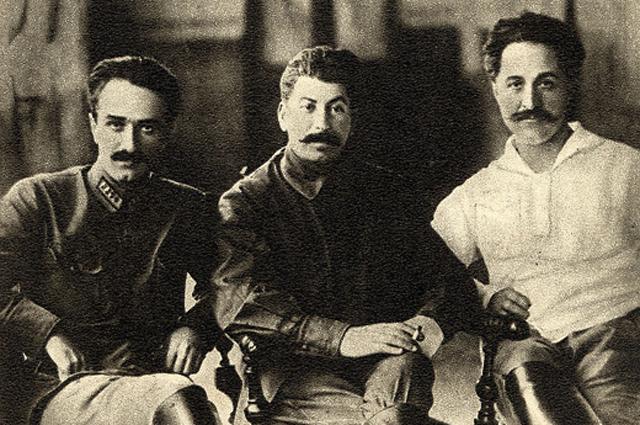 1924 г. Анастас Микоян, Иосиф Джугашвили (Сталин) и Григорий ( Серго ) Орджоникидзе