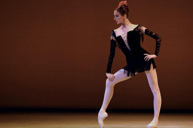 Светлана Захарова выступает на гала-концерте артистов Национального балета Кубы