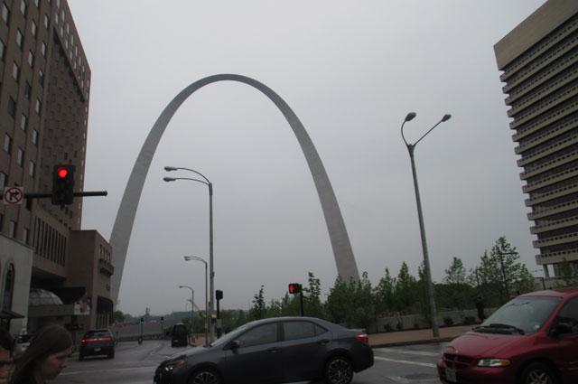 Арка - самый высокий памятник в США.