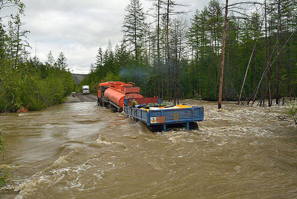 Размытые дороги в Якутии накануне отправки.