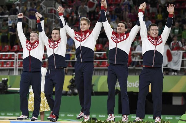 Российская сборная по спортивной гимнастике - серебряные призеры Олимпиады.