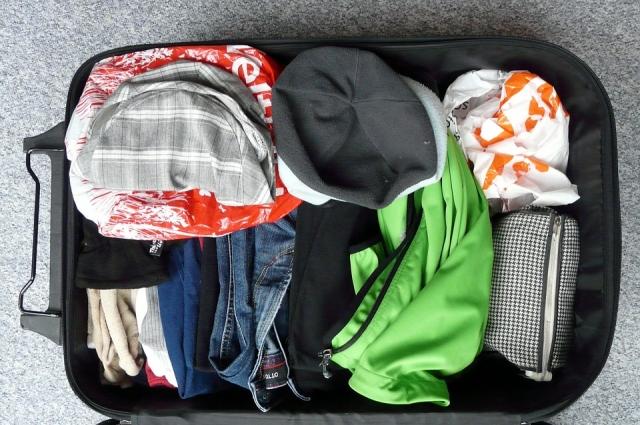 В чемодан, хранящийся в шкафу, тоже немало войдёт.