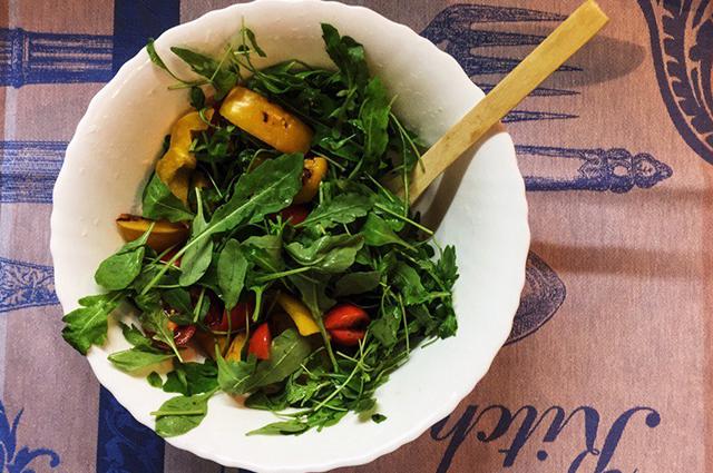 Легкий салат из креветок