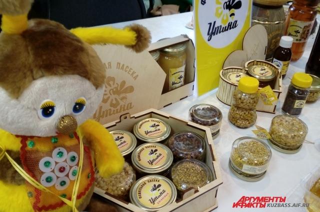 ООО «Пчелка» представило коллекцию медов Кузбасса.
