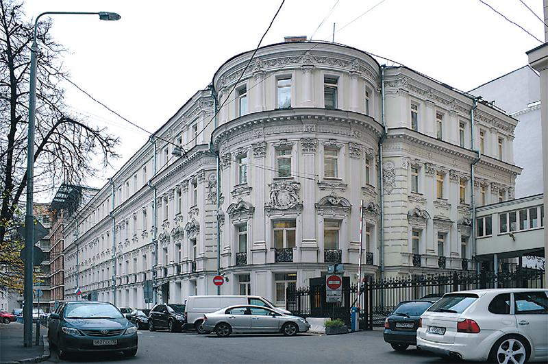 (2) Дом генерала Ивана Гудовича (Брюсов пер., 21)
