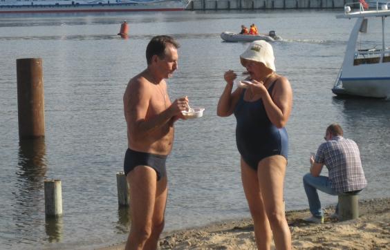 заплыв через Волгу, спортсмены, отдых