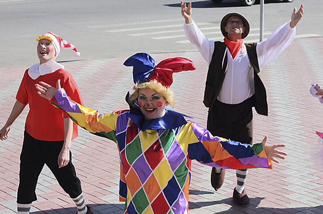 Артисты театра кукол умеют найти общий язык с ребенком.