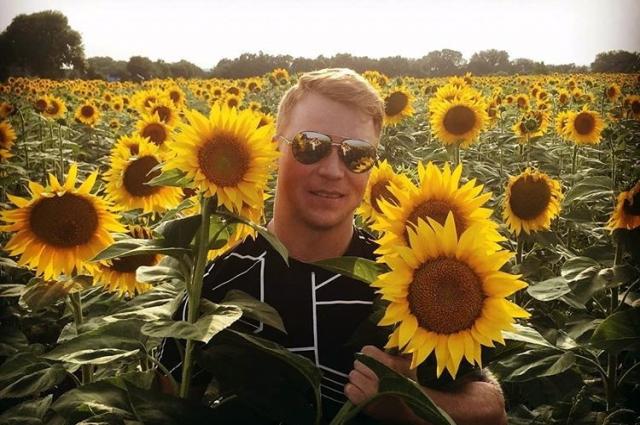 Евгений очень любит природу.