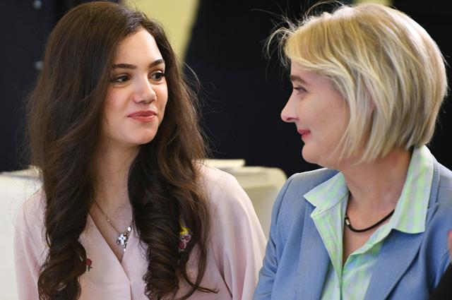 Евгения Медведева с мамой Жанной Девятовой.