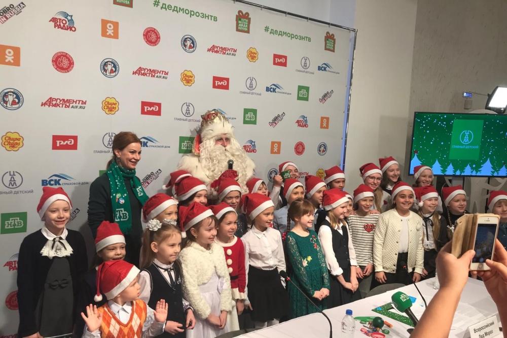 После встречи Дед Мороз сфотографировался я в Перми.