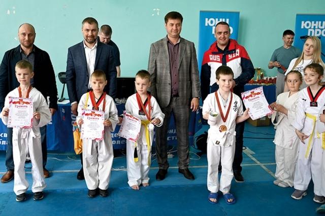 Победителей и призёров наградили грамотами и медалями.