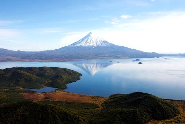 Вулканы манят туристов со всех уголков мира.