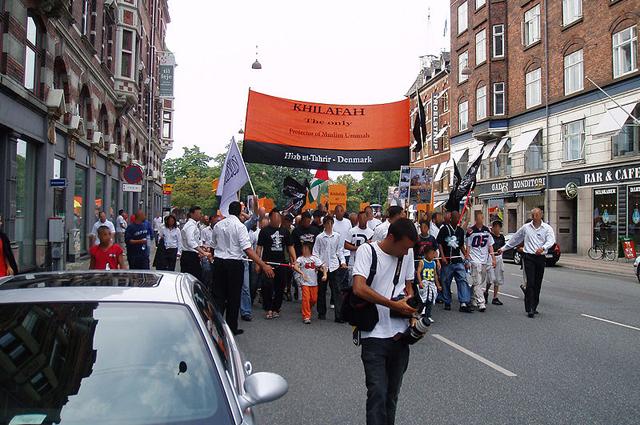 Демонстрация группировки «Хизб ут-Тахрир аль-Ислами» в Копенгагене.