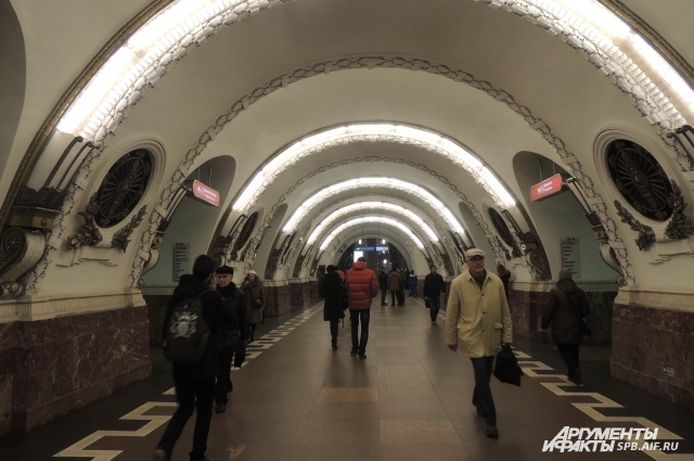 По мнению Григория, петербуржцы не спешат даже в метро.