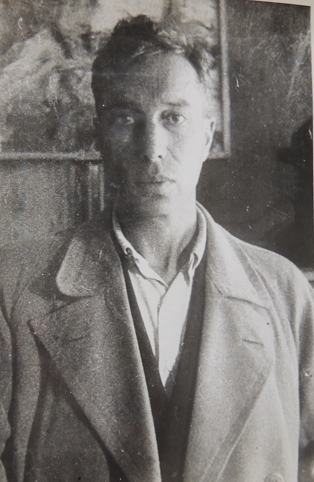 Борис Пастернак в Чистополе в доме В.Д.Авдеева. 1943 год. Фотография В.Д.Авдеева.