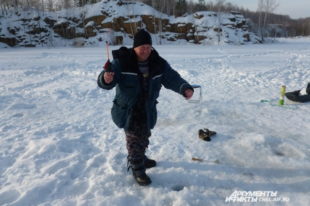 Владимир Алексушин ездит на рыбалку каждые выходные. Зимой челябинец любит ловить щуку на жерлицу.