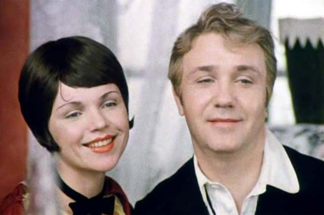 Валентина Теличкина и Леонид Куравлев в фильме «Не может быть!», 1975 г.