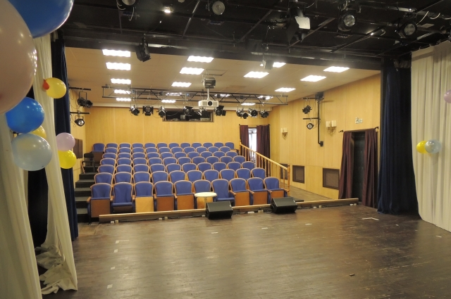 В зрительном зале всего 70 мест - всегда аншлаг.