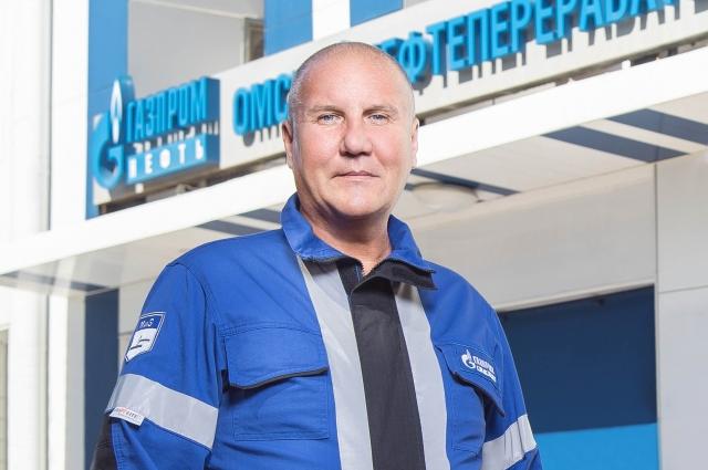 Глеб Котов гордится своим местом работы.