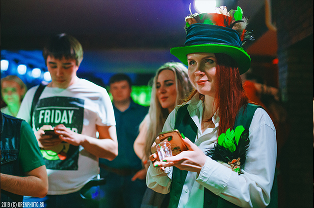 В Оренбурге уже несколько лет подряд в одном из городских пабов отмечают День святого Патрика как свой «родной» праздник.