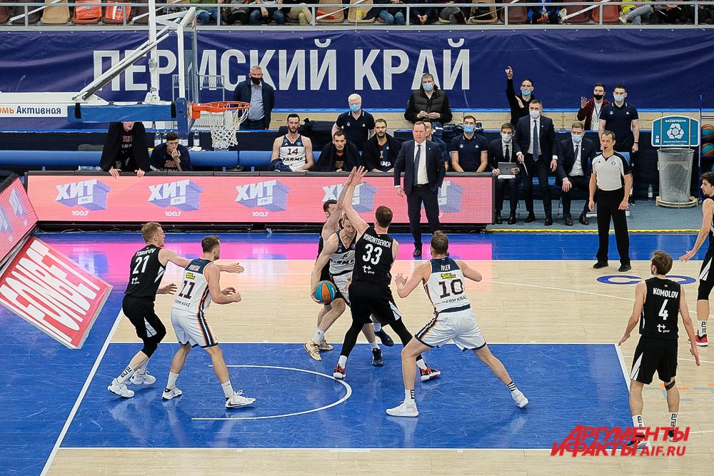 Баскетбольный матч «Парма» - «Нижний Новгород» в Перми