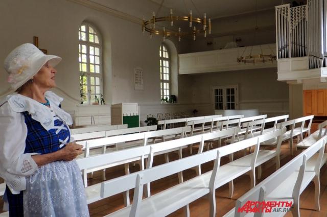 Совместными усилиями с потомками бывших сарептян в Германии удалось восстановить в кирхе орган.