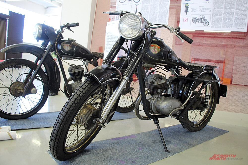Легендарный мотоцикл М-103 1962 года выпуска.
