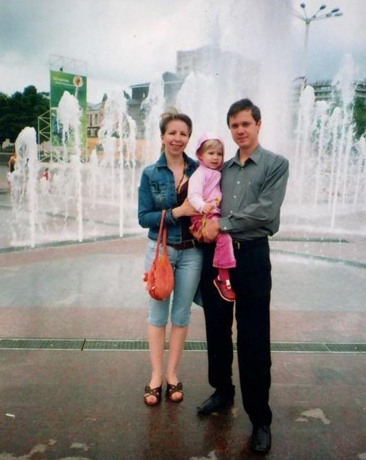 О Лене и счастливых годлах жизни с ней Сергей споминает с теплотой и болью в глазах