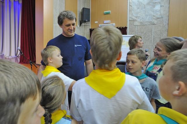 Олег Белявский ответил на все вопросы ребят.