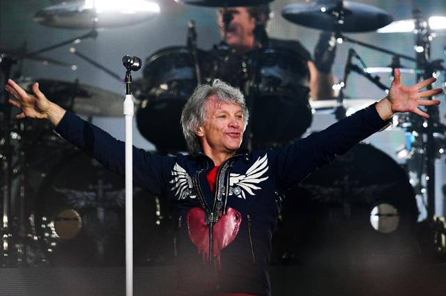 Вокалист американской группы Bon Jovi Джон Бон Джови выступает на концерте на стадионе «Лужники» в Москве. 31 мая 2019 г.