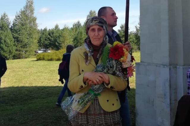 Ради храма в Нелидовском районе Теврской области эмигрантка Аида Хмелева продала уникальные картины.