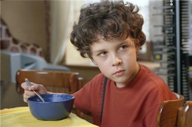 Справедливости ради, стоит отметить, что полезной пищей накормить ребенка сложнее: дети предпочтут вредные, но вкусные пиццы и шоколадки