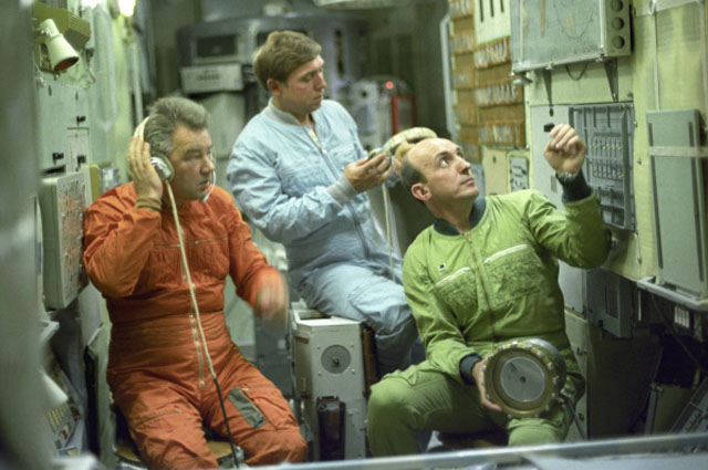Георгий Гречко (на фото слева) три раза бывал на околоземной орбите.