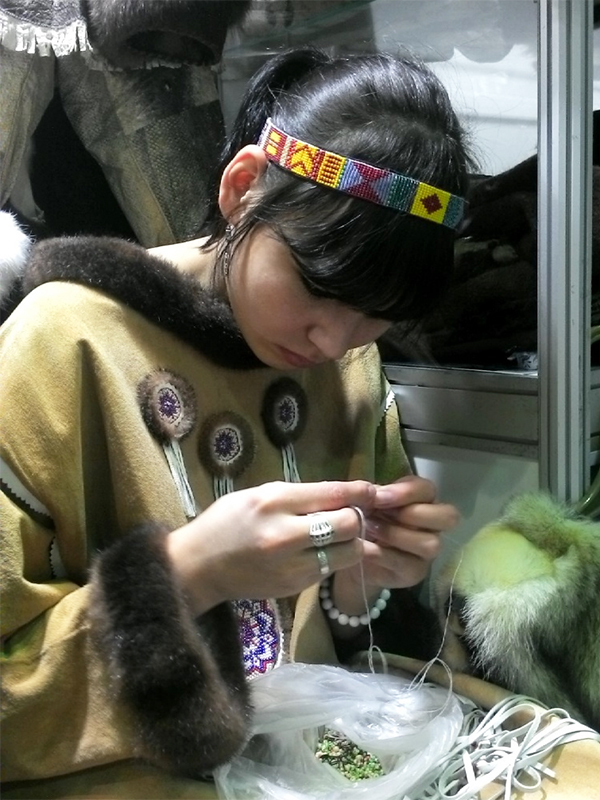 Скорняк умеет всё: и шкуры выделывать, и шубы шить.