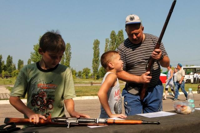 Военные игры учат дисциплине и развивают интерес к истории.