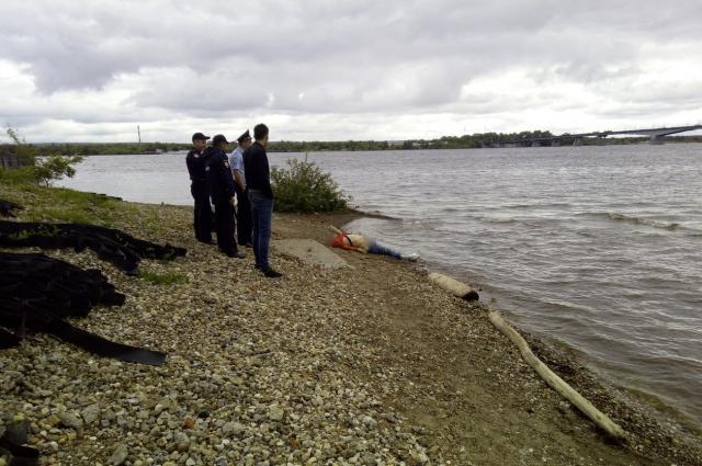 Тело нашли в десяти метрах от берега.